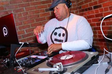 Jason Rawls DJing