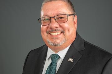 Dr. Mateo Remsburg